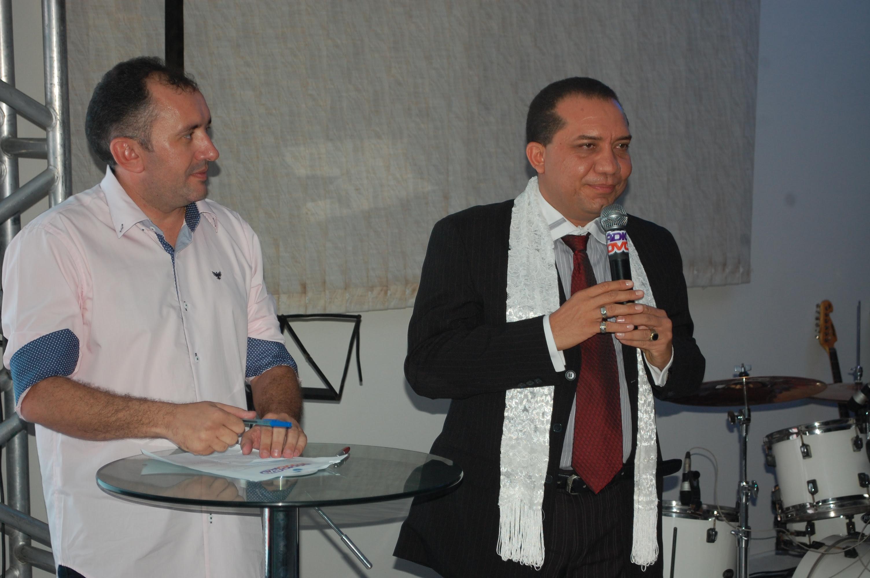 Empresário JK (Diretor de programação da POVO FM ) e o radialista Canindé Oliveira