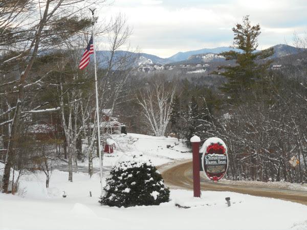 Christmas Farm Inn Sign