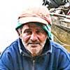 Pescadores de uma vila na represa tacaiupeba da região do Alto Tiete