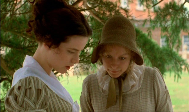 Emma (Kate Beckinsale) et Harriet Smith (Samatha Morton)