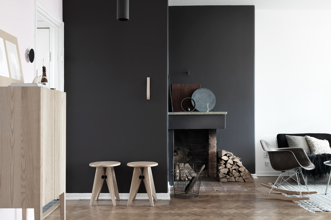 Browns and pink in an apartment with a black wall - via cocolapinedesign.com