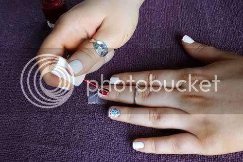 photo 4th-July-Essie-Nail-Art_zps5b58ee2c.jpg