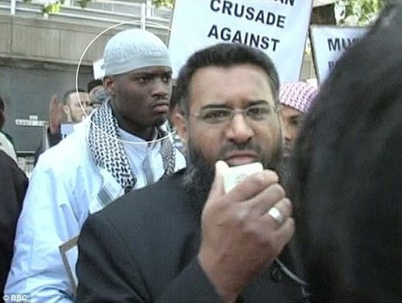 Side by side with preacher of hate? Choudary claims picture shows arrested Islamic fanatic, 28, at 2007 demo | English Volunteer Force News Feed | Scoop.it