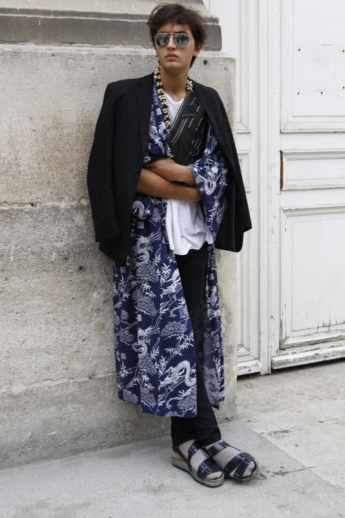 This louche oriental-print robe looks like perfect fashion week get-up; comfort and style #PFW WGSN street shot, Paris Fashion Week, spring/summer 2014