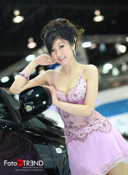 20110531155744 Sarunruk Sirirumpaivong8 Chiêm ngưỡng vẻ đẹp ao ước của nữ hoàng xế hộp Thái