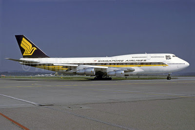 Singapore Airlines Boeing 747-312 N121KG (msn 23032) ZRH (Rolf Wallner). Image: 913223.