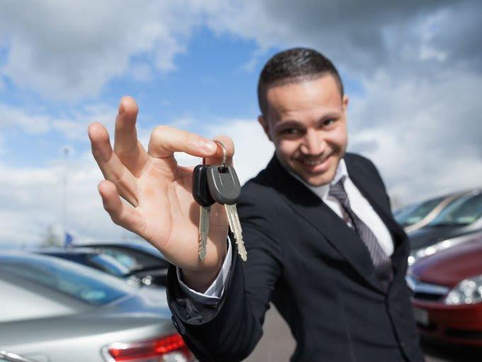 3 datos engañosos con los que te venden un coche