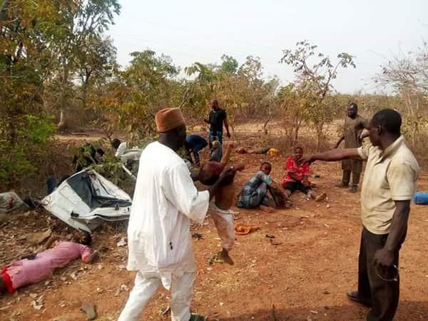 https://umahiprince.blogspot.com/2018/02/photos-18-seater-bus-claims-peoples-life-in-accident-along-bida-minna-road.html