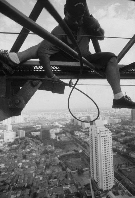Indonesian construction workers (23 photos)