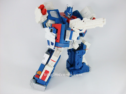 Transformers Ultra Magnus Classics + City Commander - modo robot