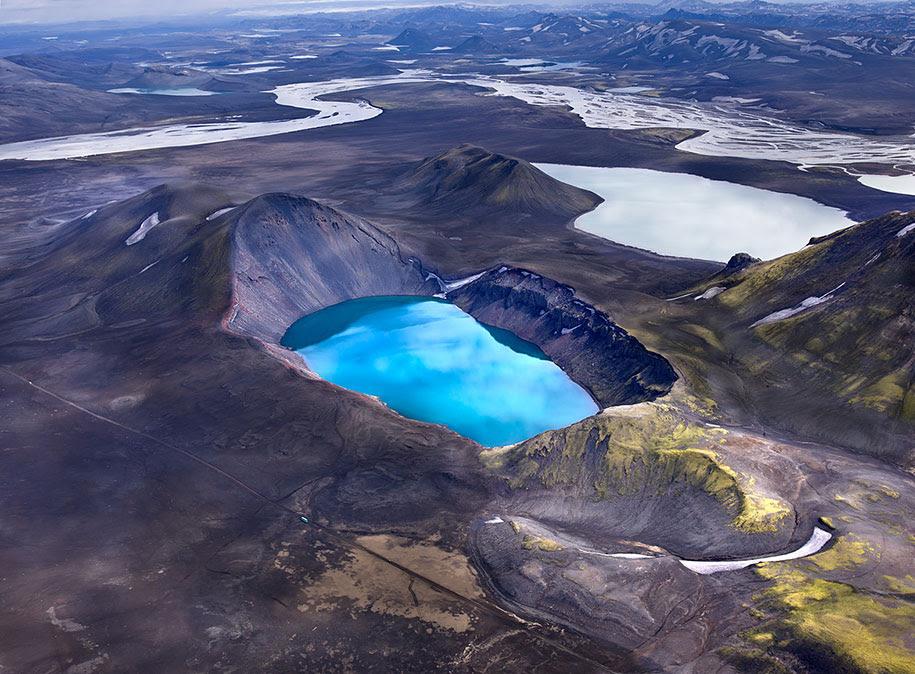 http://www.demilked.com/magazine/wp-content/uploads/2014/06/nordic-landscape-nature-photography-iceland-24.jpg