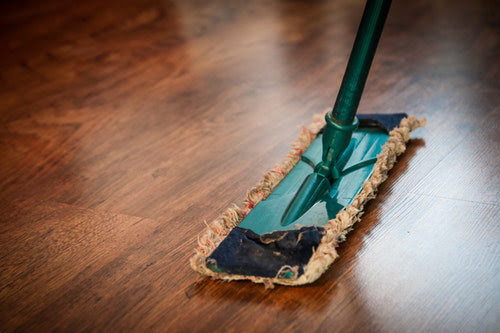 Store cleaning service