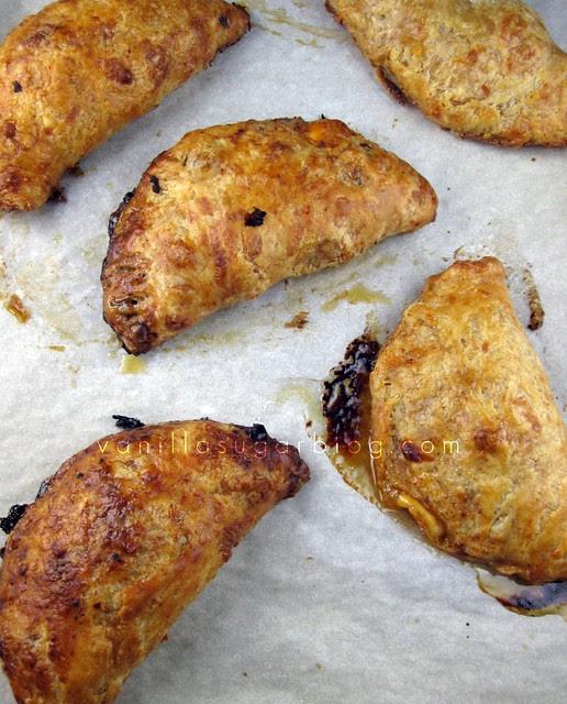Vanilla Sugar Blog: Beef & Cheddar Hand Pies
