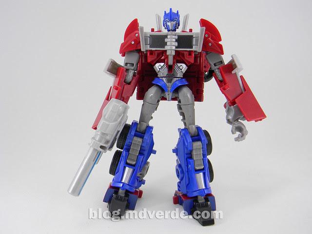 "Transformers Optimus Prime  ""Transformers Prime"" Deluxe SDCC - modo robot"