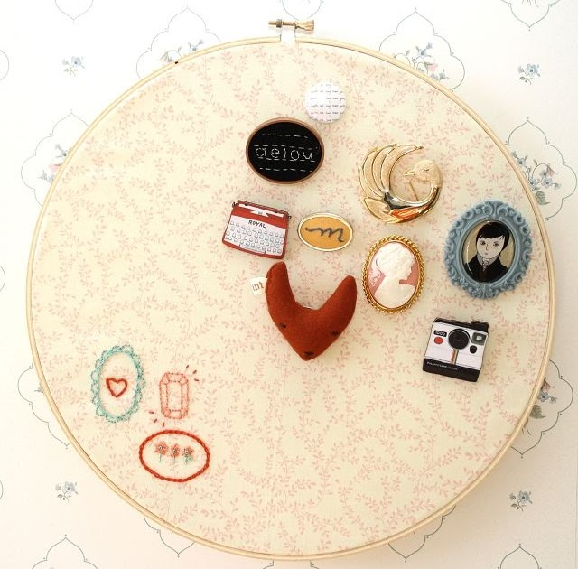 One sheepish girl diy embroidery hoop brooch display