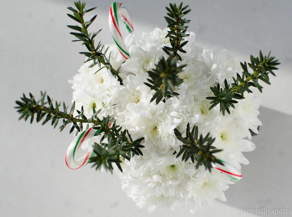 Christmas Carnation & Candy Cane Centerpiece | personallyandrea.com