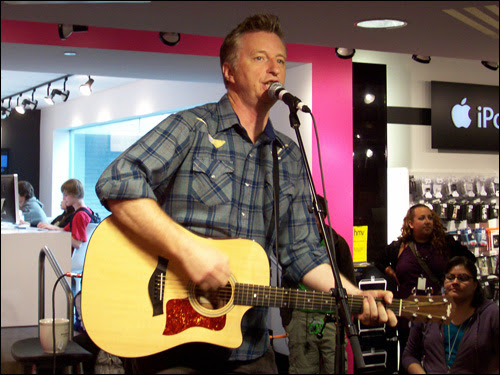 Billy Bragg, Bloor Street HMV, Toronto, June 17, 2008