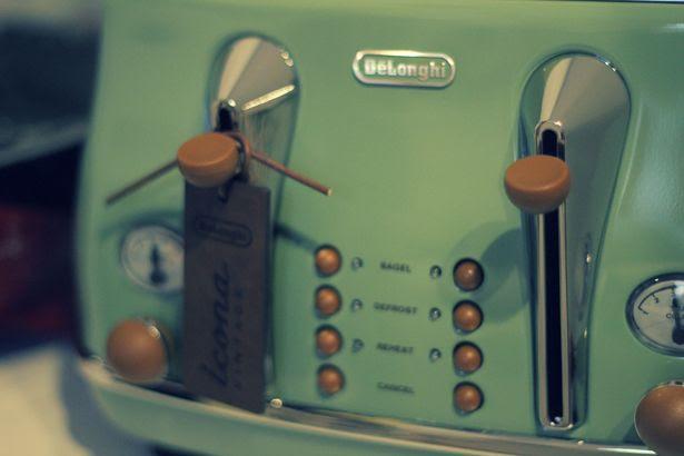 photo toaster2_zpsa50406a1.jpg