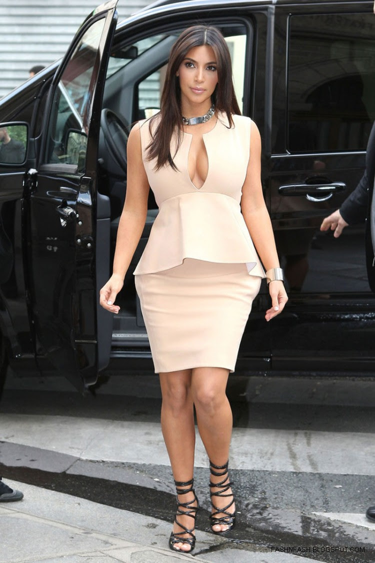 Kim-Kardashian-Hot-Cleavage-Candids-Out-and-About-in- Paris-Pictures-2