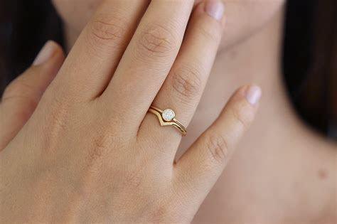 Minimalist Wedding Ring Set with 0.2 Carat Diamond ? ARTEMER