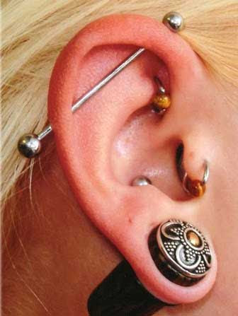 Do You Have Smelly Pierced Ear Holes Smelly Ear Holes Stink From