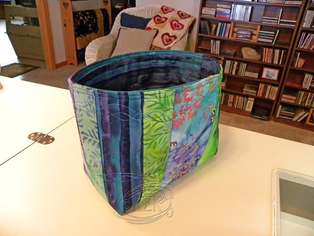 DSCN2352 Medium Fabric Basket