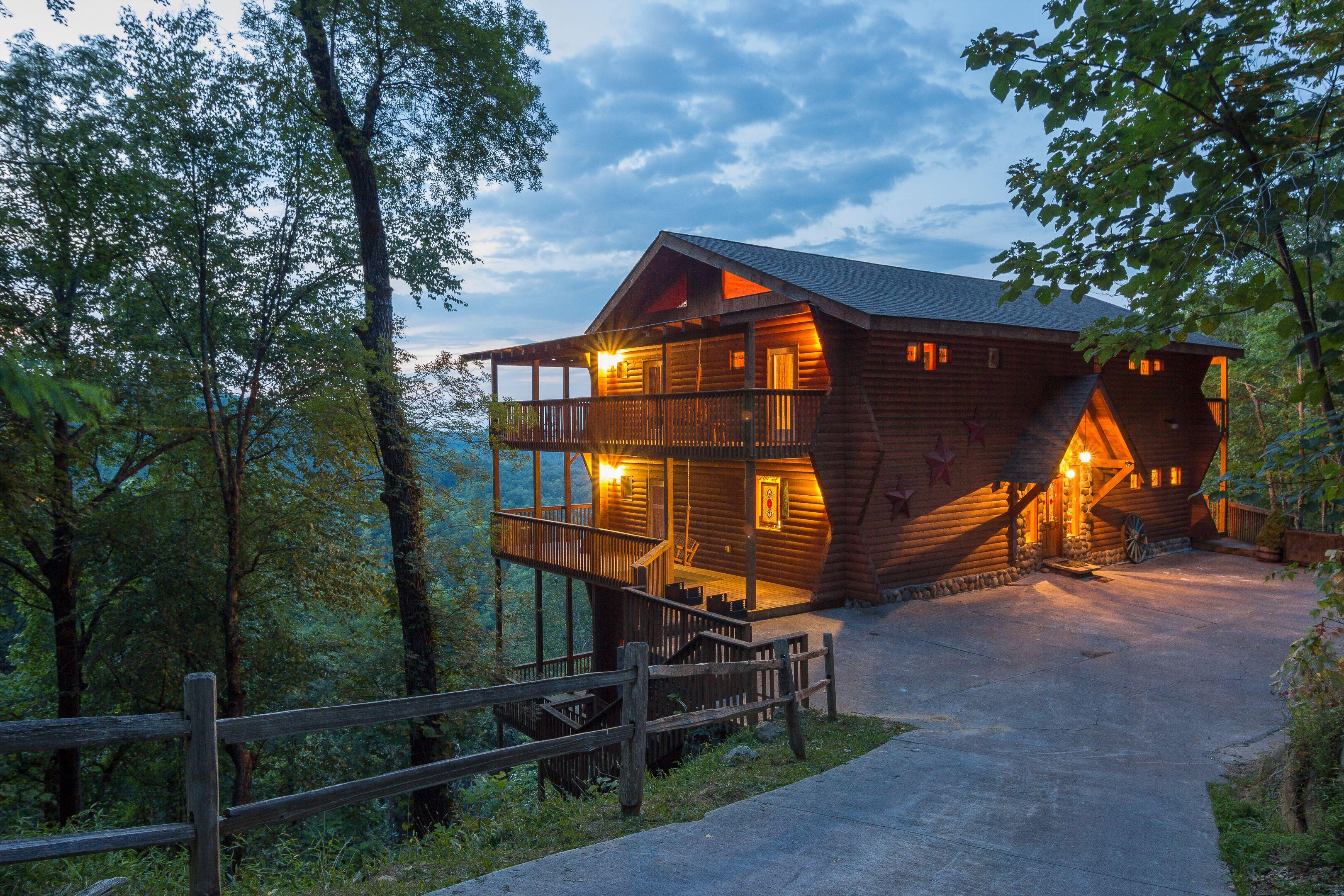 The Loan-ly Bear - Gatlinburg - Black Bear Vacation Rentals