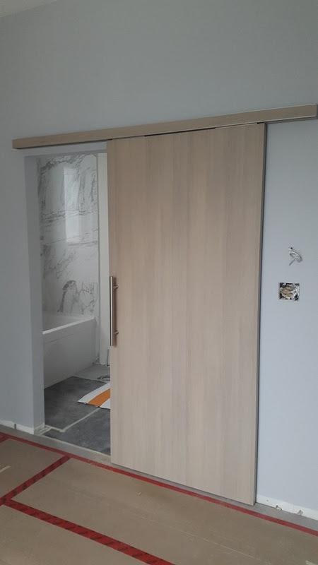custom design aluminum door handles    400 x 300