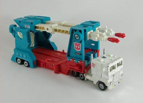 Transformers Ultra Magnus (G1) - modo alterno