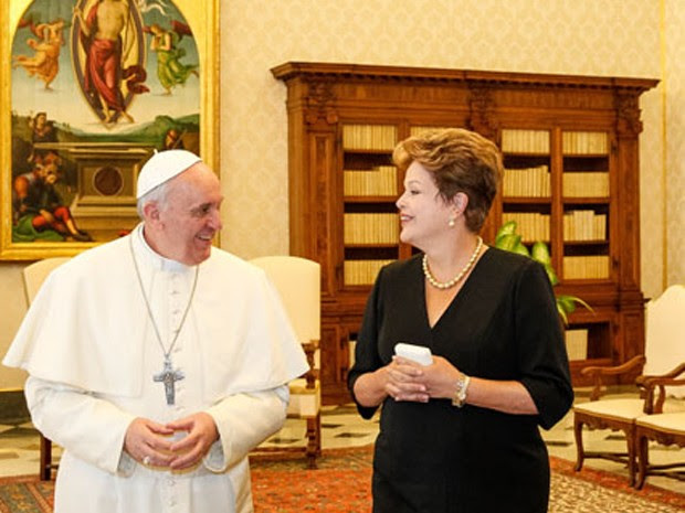 Dilma se encontra com Papa Francisco no Vaticano (Foto: Roberto Stuckert Filho/PR)