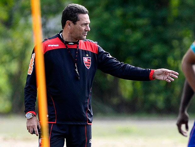 Vanderlei Luxemburgo no treino do Flamengo (Foto: Fábio Borges / VIPCOMM)