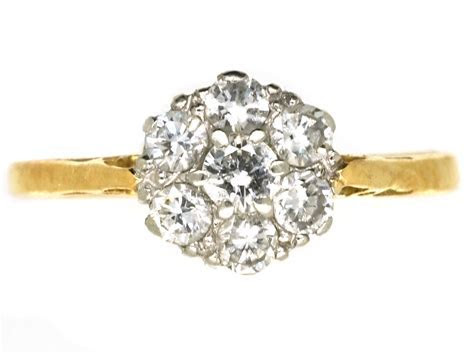18ct Gold, Platinum & Diamond Daisy Cluster Ring   The