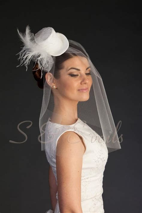 Clip on Mini Top Hat With Bridal Veil Head Piece, Wedding