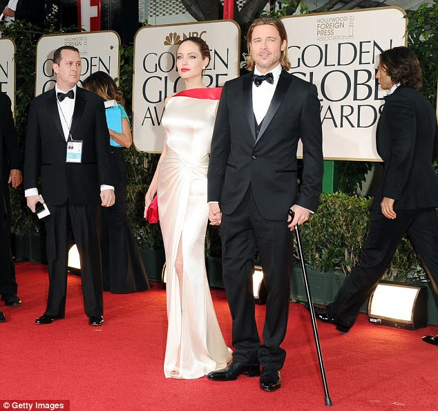 """Casal de ouro: Ambos Angelina e Brad Pitt são nomeados e Pitt disse que """"é uma noite de ouro para nós"""""""