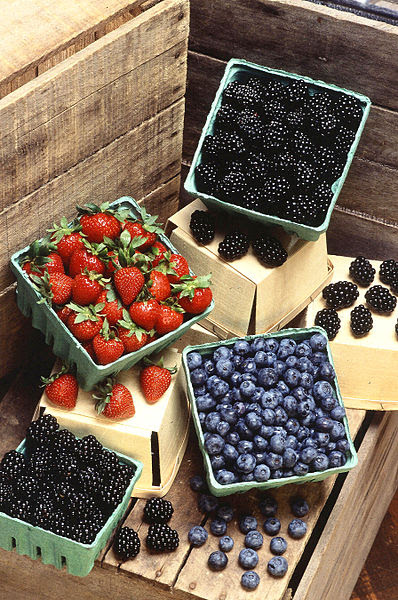 File:Berries (USDA ARS).jpg