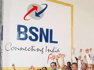 MTNL and BSNL are likely to launch new roaming plans from January 26 that will offer their subscribers free calls, sources said
