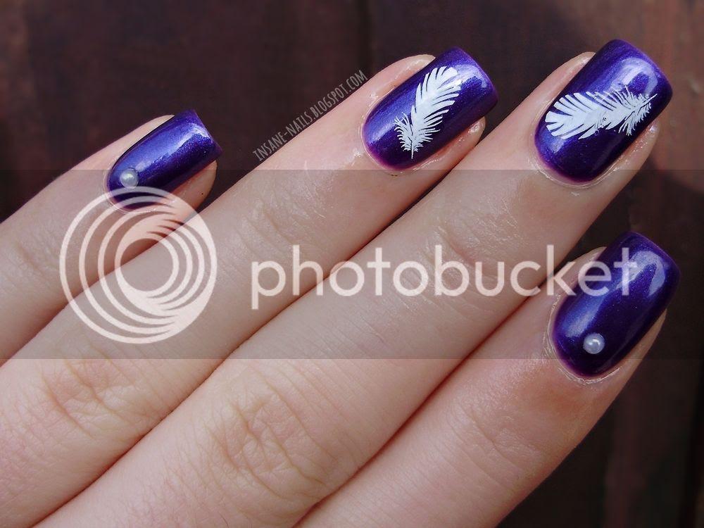 photo purple_feather_nails_3_zpsjl2xjliq.jpg