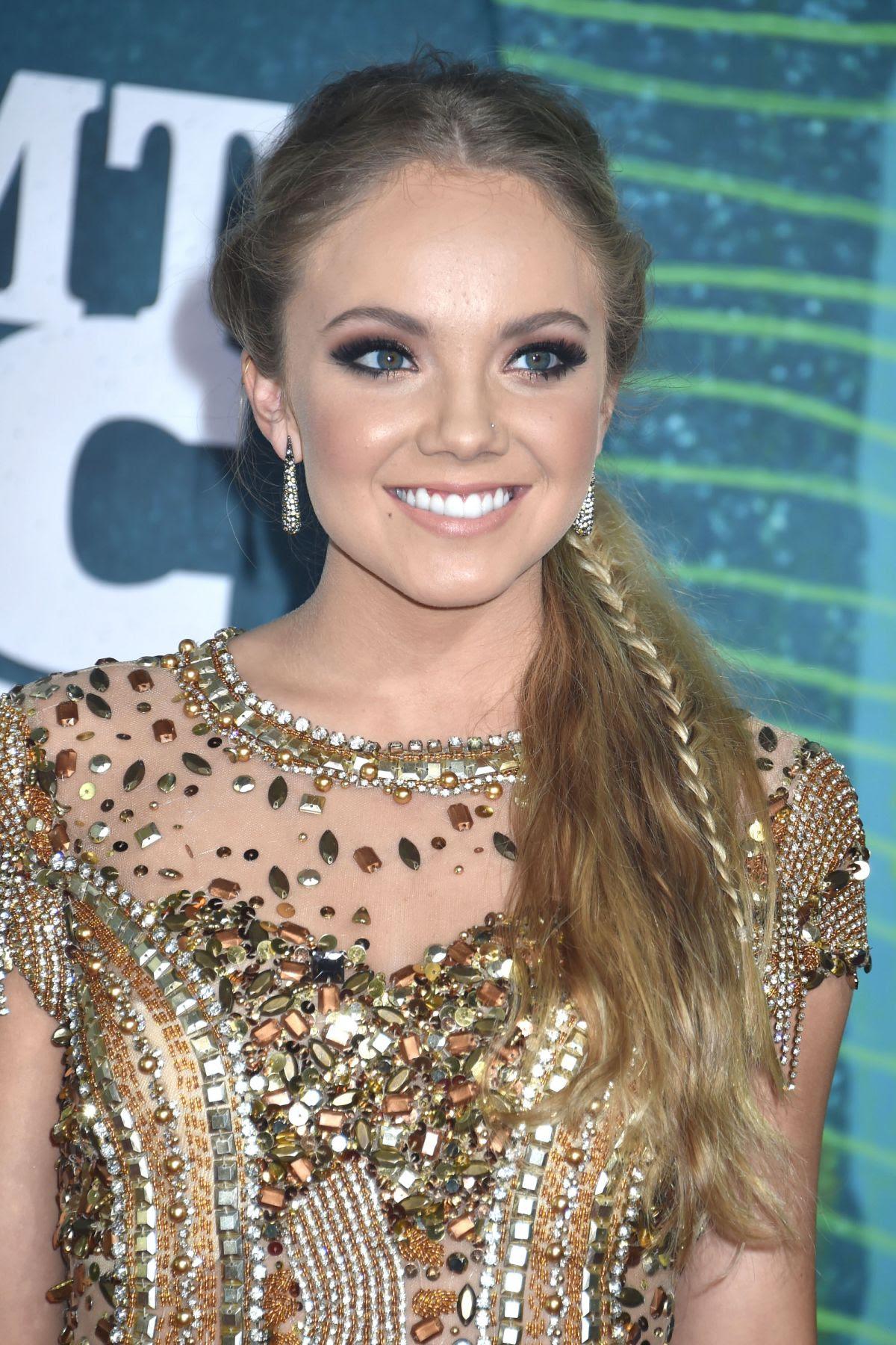 DANIELLE BRADBERY at 2015 CMT Music Awards in Nashville