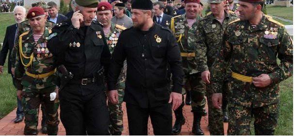 Kadyrov demande à Poutine de permettre à l'infanterie tchétchène de combattre en Syrie