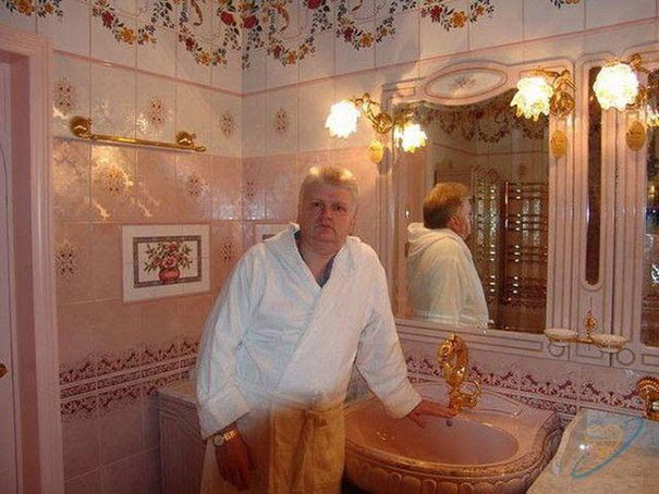 crazy-rich-serbian-bachelor-shows-off-on-the-internet-to-find-love20__605