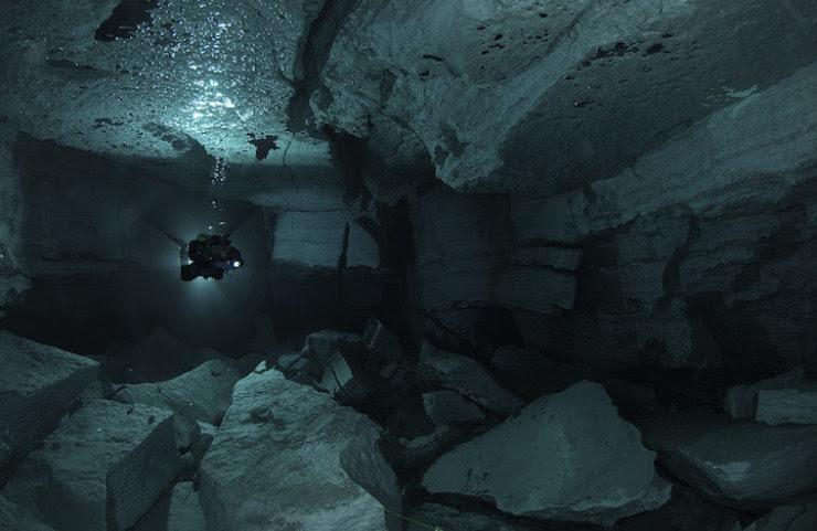 A maior caverna subaquática da Rússia 04