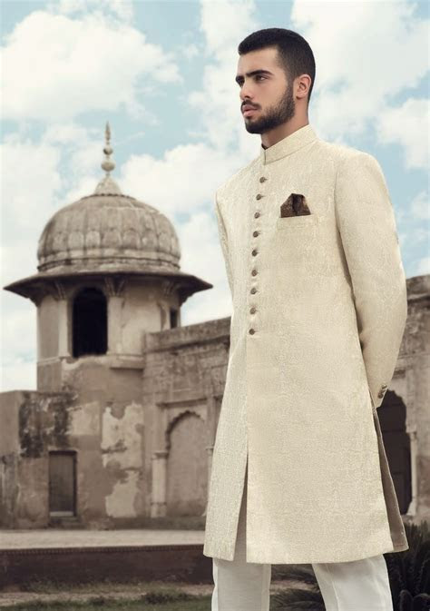 25  best ideas about Sherwani on Pinterest   Sherwani
