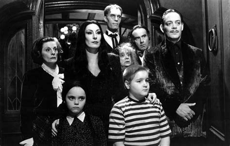 addams family wallpaper addams family hd lovely tab