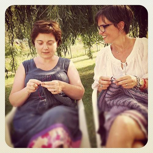 Knitting with my friend Silvia:)) Lavorando a maglia con la mia amica Silvia:))