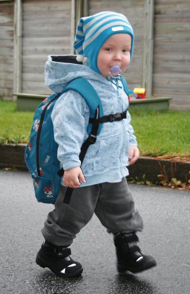 Klar for barnehagen he-he... Skal vi gå nå?