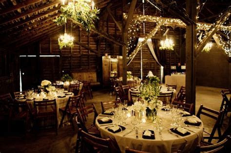 """Tips for planning a """"Barn Style"""" Wedding!   MyWedStyle.com"""