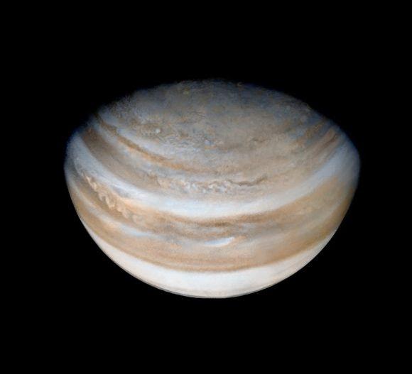 El polo norte de Júpiter visto por la Pioneer 11 (NASA/JPL/Ted Stryk).