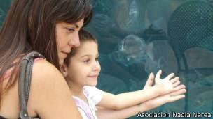lLa madre de Nadia Nerea (derecha), Marga Garau (izquierda).),
