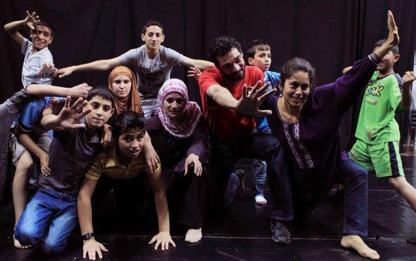 Resistere all'occupazione con il teatro e con le attività di impegno culturale. Lo Yes Theatre di  Hebron