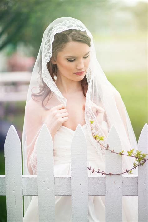 Very romantic traditional Spanish mantilla wedding veil